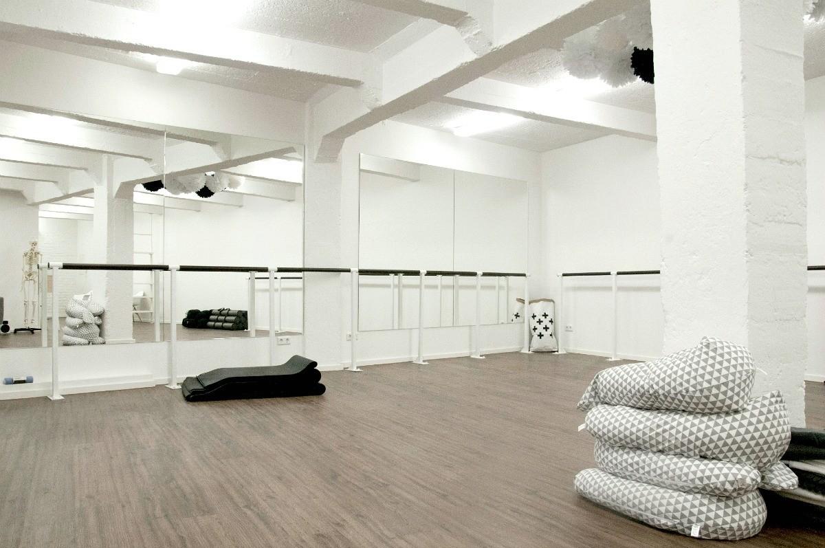 Youpila_Studio_Pilates & Barre Workout