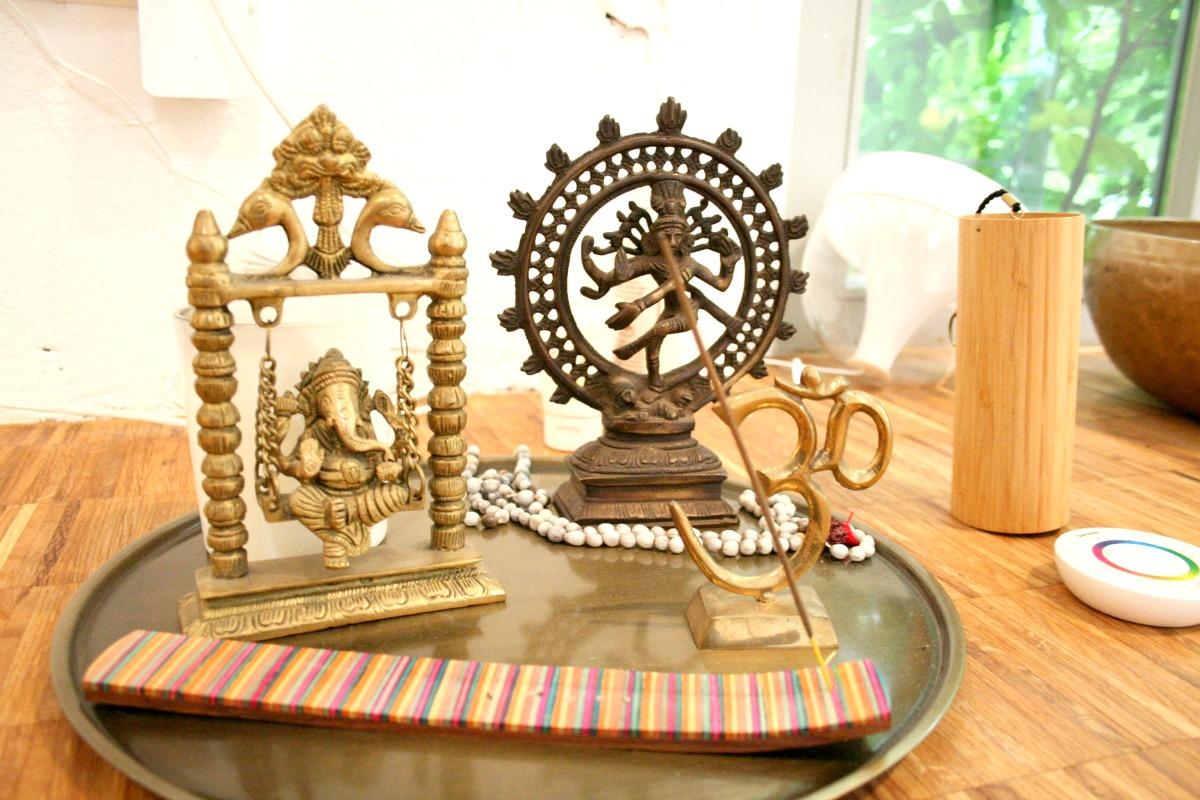 wie finde ich das richtige yoga studio amyslove. Black Bedroom Furniture Sets. Home Design Ideas